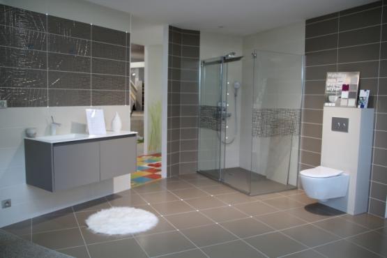 salle de bain la roche sur yon perfect carrelage piscine. Black Bedroom Furniture Sets. Home Design Ideas