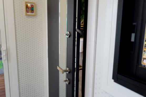 Showroom menuiserie et portes de garage CHEMILLÉ